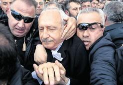 Şehidin cenaze töreninde saldırıya uğrayan Kılıçdaroğlu: 'Bu tezgâh bizi yıldıramaz'