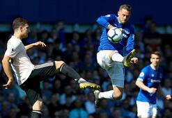 Everton, Manchester Unitedı ezip geçti