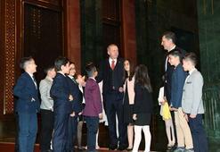 Cumhurbaşkanı Erdoğan, Beştepede çocukları kabul etti