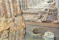 Metro inşaatında Afrodit heykeli