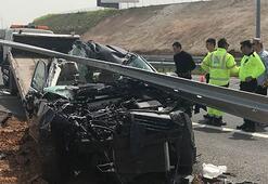 Aileyi parçalayan kaza Aracın içinde anne, baba ve kızları vardı....
