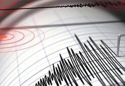 İzmirde korkutan deprem Birçok ilçede hissedildi