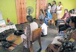 Sri Lanka'da halk evlere kapandı