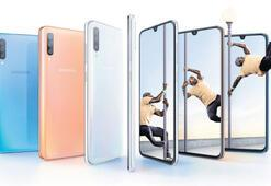 Samsung Galaxy A  serisini yeniledi