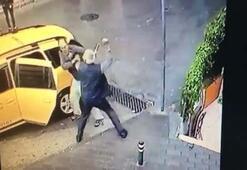 Sokak ortasında bıçaklı dehşet kamerada