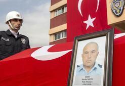 Şehit polisi son yolcuğuna meslektaşları uğurladı
