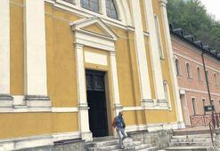 Fatih'in kaftanı kilisede korunuyor