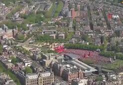 Ajax şampiyonluğunu 100 bin kişiyle kutladı