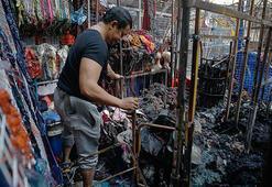 Malezyada pazar alanında çıkan yangında 30 dükkan yok oldu