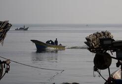 İsrail Gazzedeki balıkçıların avlanma mesafesini 15 mile çıkardı