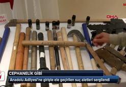 Anadolu Adliyesi'ne girişte ele geçirilen suç aletleri sergilendi