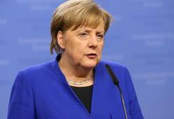 Merkelden May açıklaması: Kararını saygıyla karşılıyorum