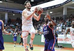 Anadolu Efes, Banviti geçerek yarı finale çıktı