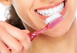 Diş fırçalamak orucu bozar mı