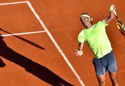Nadal ile Federer tur atladı