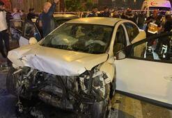 İki otomobil kafa kafaya çarpıştı Çok sayıda yaralı var...