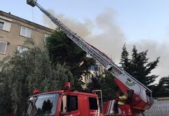 Son dakika: Kadıköyde ahşap konakta yangın