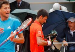 Fransa Açıkta Djokovic-Thiem maçı ertelendi