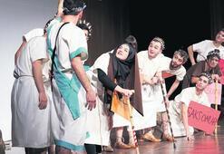 Suriye savaşından tiyatro sahnesine