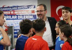 Bakan Kasapoğlundan genç sporculara ziyaret