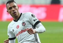 Adriano, kaçakçılığı ve hapis cezasını kabul etti