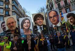 İspanya, ayrılıkçı Katalanlara aktif siyaset yolunu kapattı