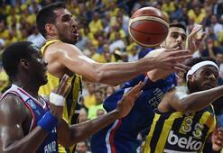Fenerbahçe Beko-Anadolu Efes: 82-73