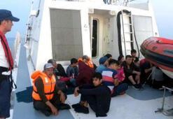 Dikilide denizde 40 Afgan kaçak göçmen yakalandı