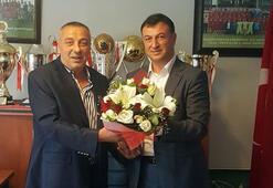 Ümraniyesporda Tarık Aksar başkan seçildi