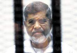 'Mursi'yi ölüme terk ettiler'