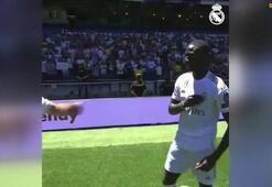 Real Madrid, yeni transferi Ferland Mendyyi tanıttı