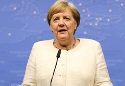 Merkelden AB Komisyonu Başkanı açıklaması