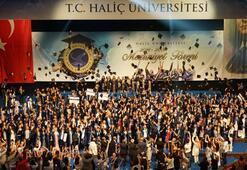 Haliç Üniversitesinde 18inci mezuniyet coşkusu
