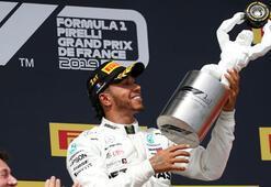 Fransada ilk sıra Hamiltonın