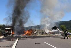 Son dakika... TEMde korkunç kaza Araçlar yandı, yol ulaşıma kapatıldı