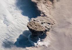 Raikoke Volkanı patlaması uzaydan görüntülendi