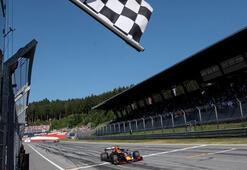 Avusturyadaki yarışı, inceleme sonunda Verstappen kazandı