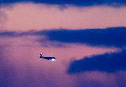 Son dakika... İsrailde yolcu uçağı acil iniş yaptı