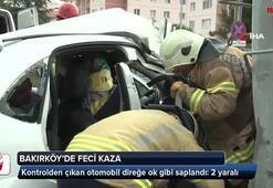 Bakırköy'de kontrolden çıkan otomobil direğe ok gibi saplandı: 2 yaralı