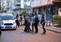 Komşular arasında silahlı kavga çıktı, sokak savaş alanına döndü