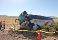 Yolcu otobüsü şarampole devrildi Yaralılar var