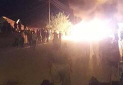 Denizlide mahalleliyi sokağa çıkartan iddia Eşyaları ateşe verdiler...