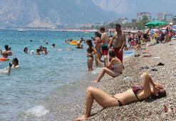 Antalyada sahiller doldu