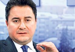 Babacan AK Parti'den istifa ettiğini açıkladı