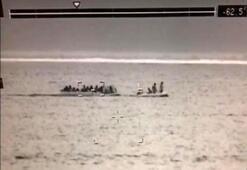 Sahil Güvenlik uçağı tespit etti, lastik botlarda 143 kaçak yakalandı
