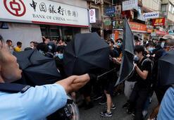 Hong Konglular bu kez Çinli tüccarlar protesto için sokağa indi