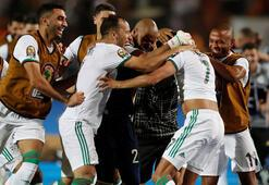 Cezayir 90+5te bulduğu golle finalde Feghouli ve Diagne...