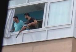 Yer: İstanbul Ellerinde tüfekle beklediler