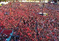 SON DAKİKA...Şu an İstanbul Eline bayrağı alan oraya koştu