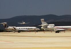 Milyon dolarlık özel jetlerin biri iniyor, biri kalkıyor